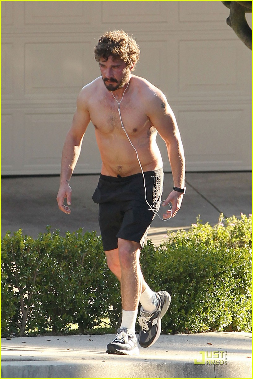 shia labeouf shirtless run 06