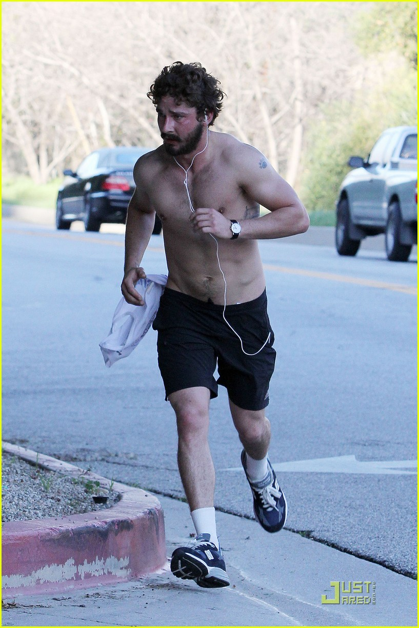 shia labeouf shirtless run 12