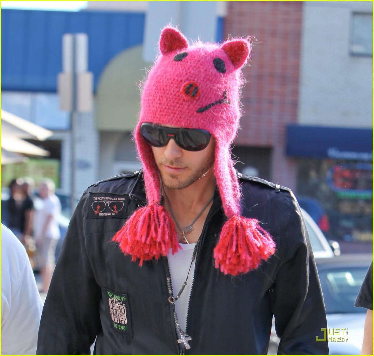 jared leto pink pig beanie toast 07