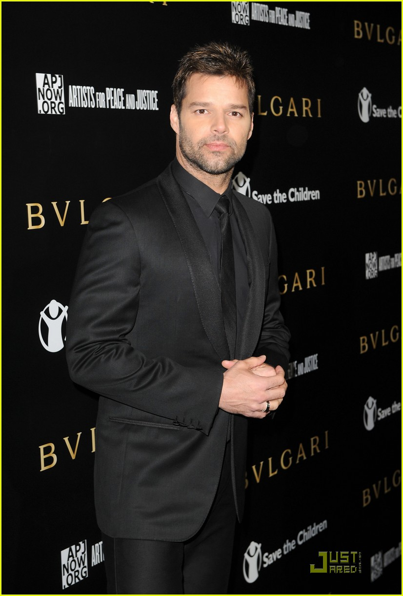 ricky martin chace crawford artists for peace 16