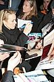 rachel mcadams mobbed for autographs 05