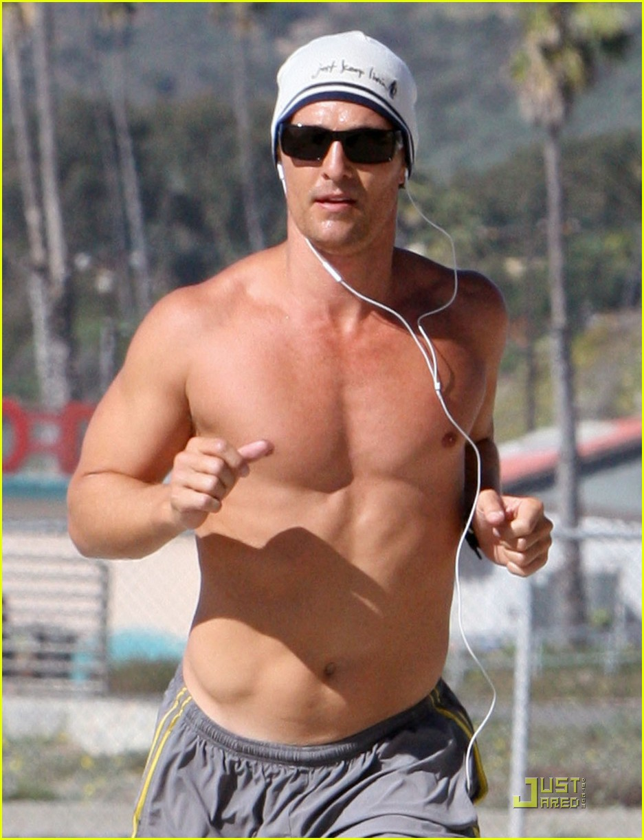 matthew mcconaughey shirtless beach run 02
