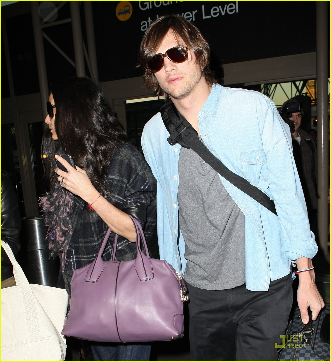 demi moore ashton kutcher en route to brazil 10