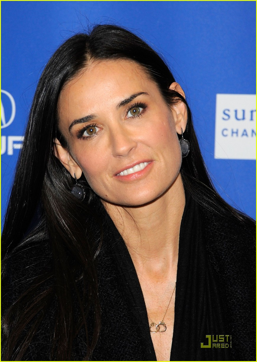 demi moore another happy day premiere 01