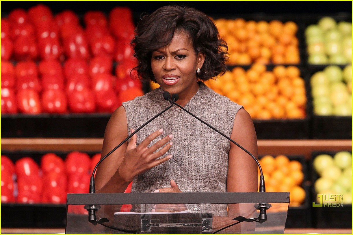 michelle obama china red 13