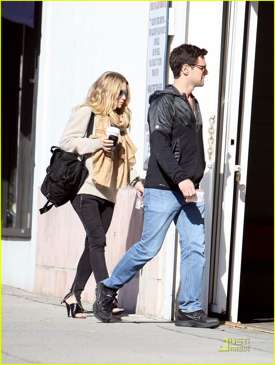 Ashley Olsen Justin Bartha Go Shopping 10