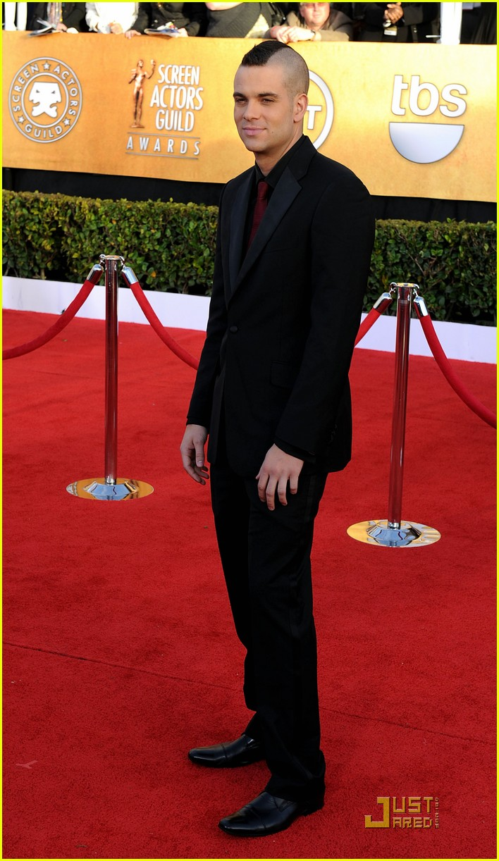 chord overstreet chris colfer sag 02