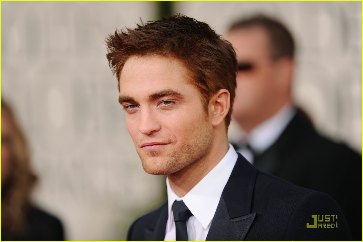 robert pattinson golden globes 2011 03