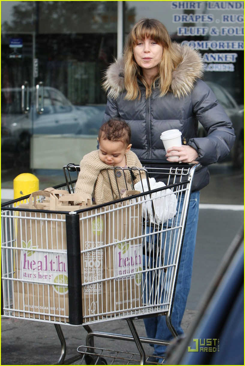 ellen pompeo grocery shopping with stella 11