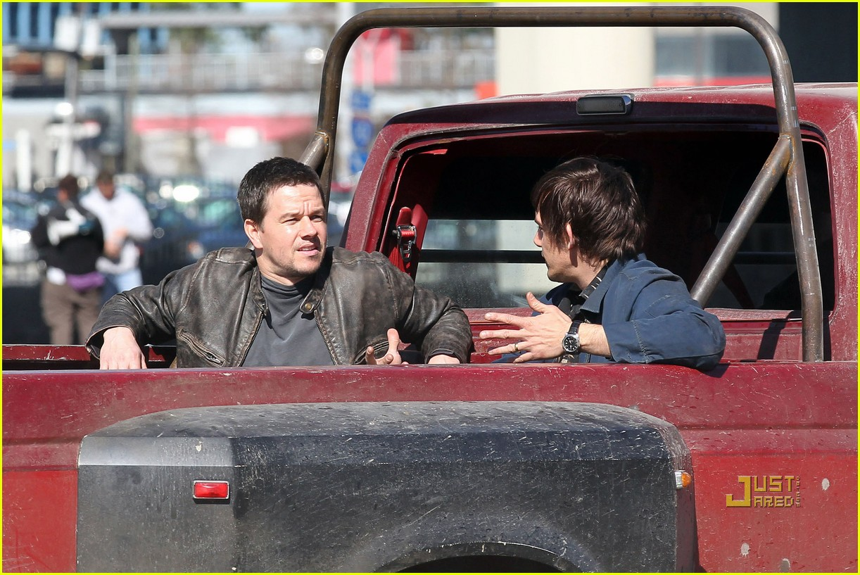 mark wahlberg lukas haas contraband set 03