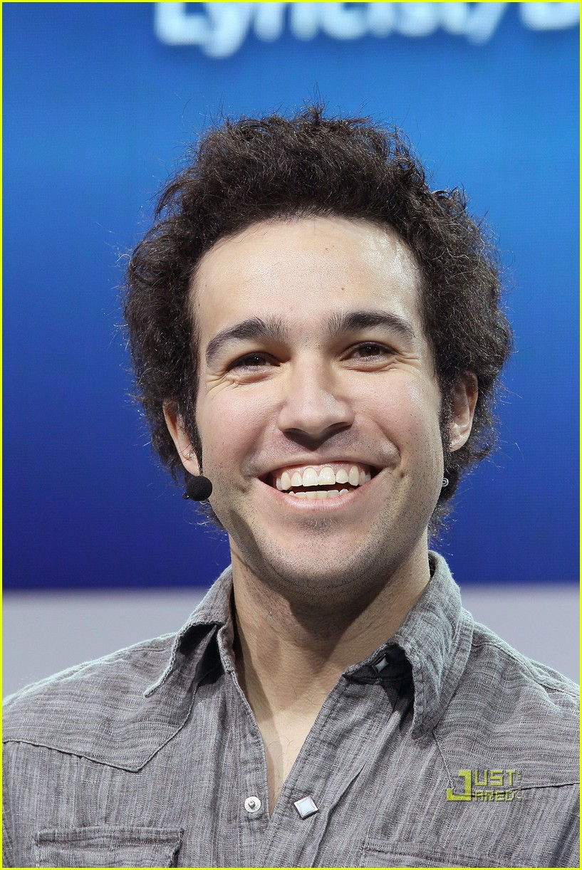 pete wentz short hair 03