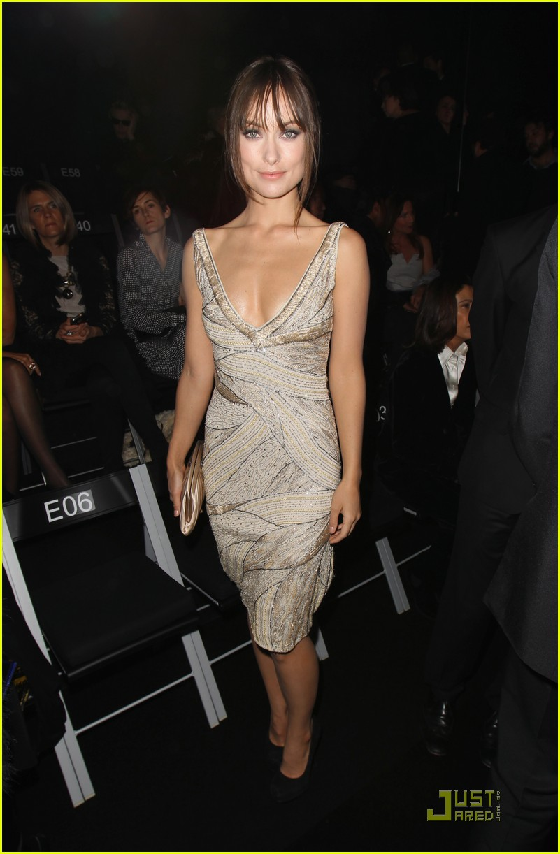 olivia wilde armani prive front row 02