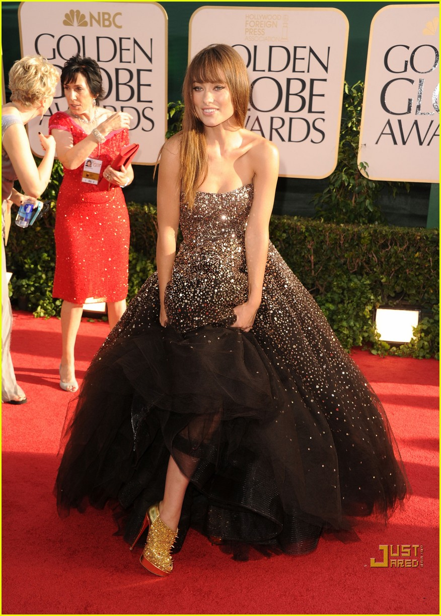 olivia wilde golden globes red carpet 2011 04