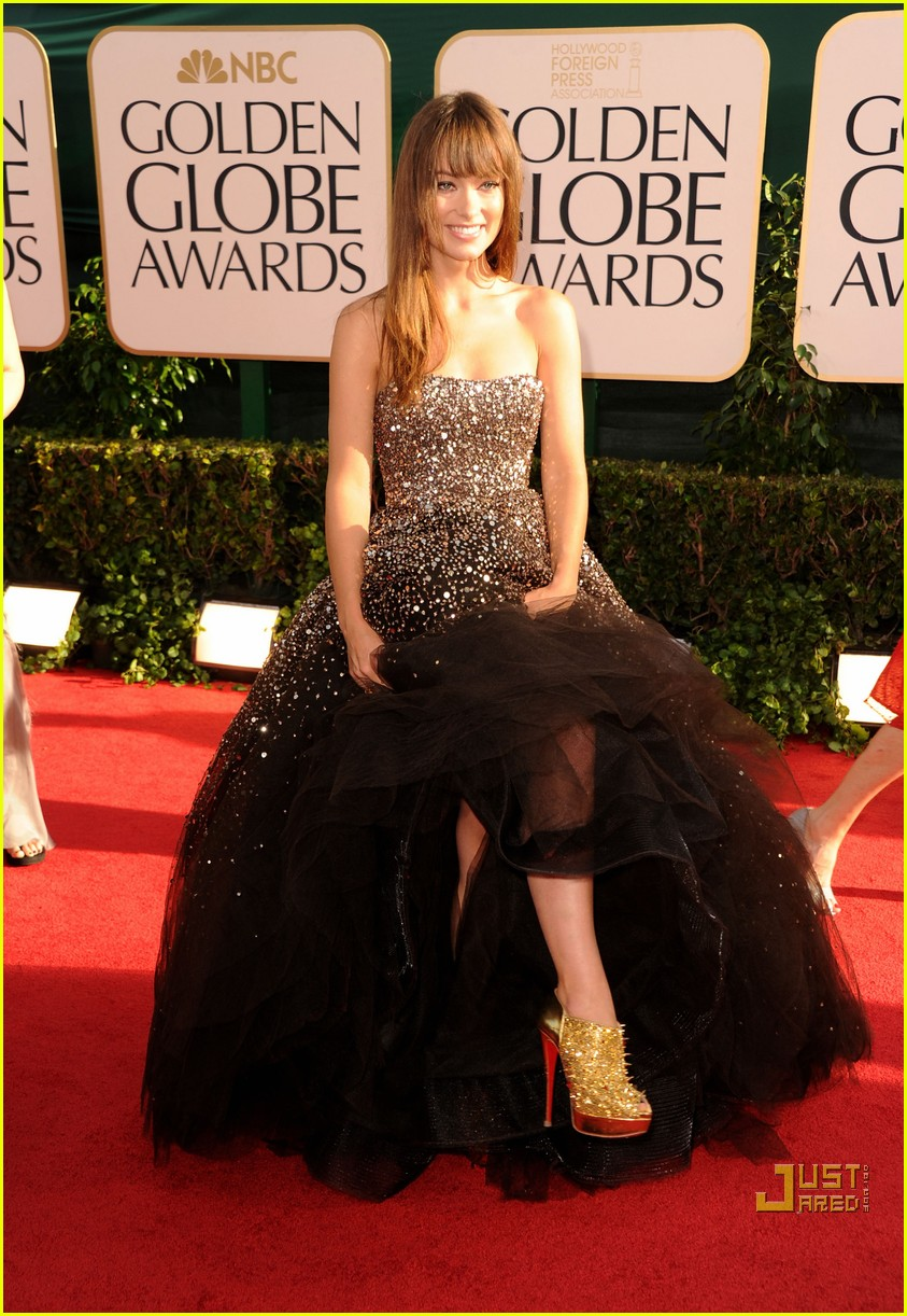 olivia wilde golden globes red carpet 2011 11