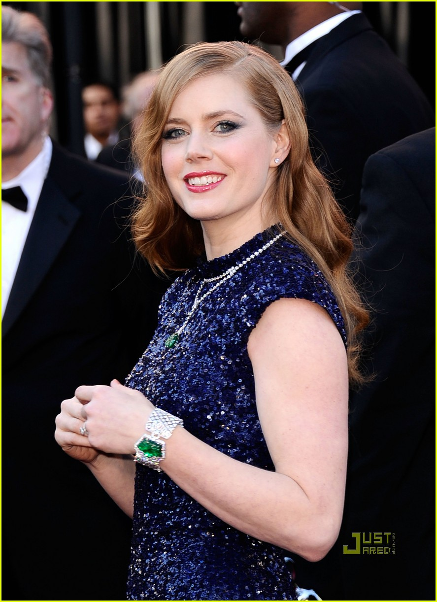 amy adams oscars 2011 red carpet 02