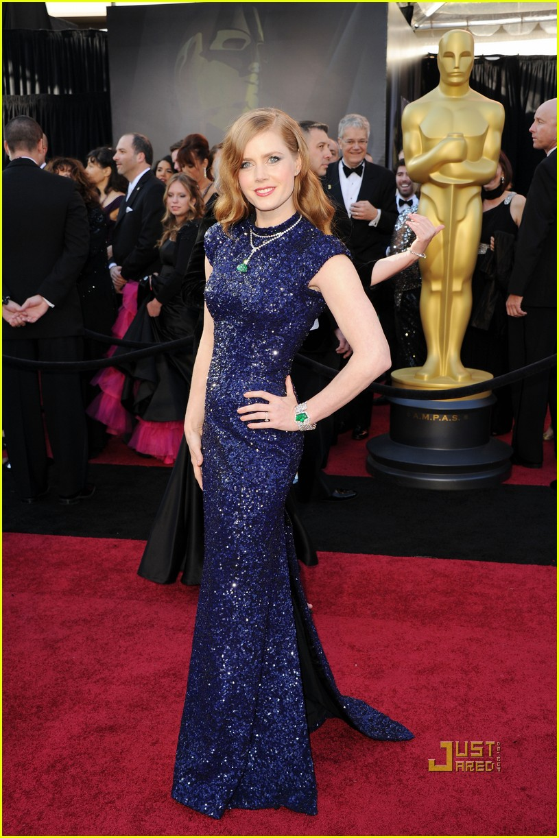 amy adams oscars 2011 red carpet 032523593