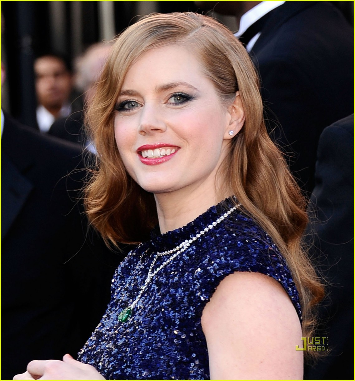 amy adams oscars 2011 red carpet 04