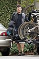 orlando bloom biking 01