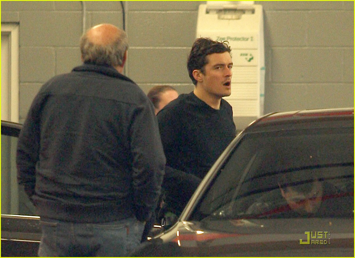 orlando bloom car repair 07