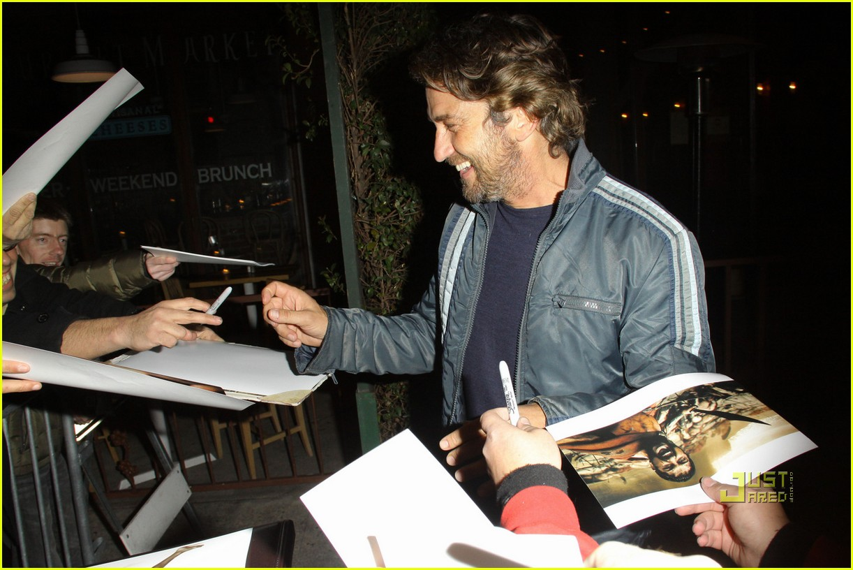 gerard butler vanity fair campaign hollywood 08