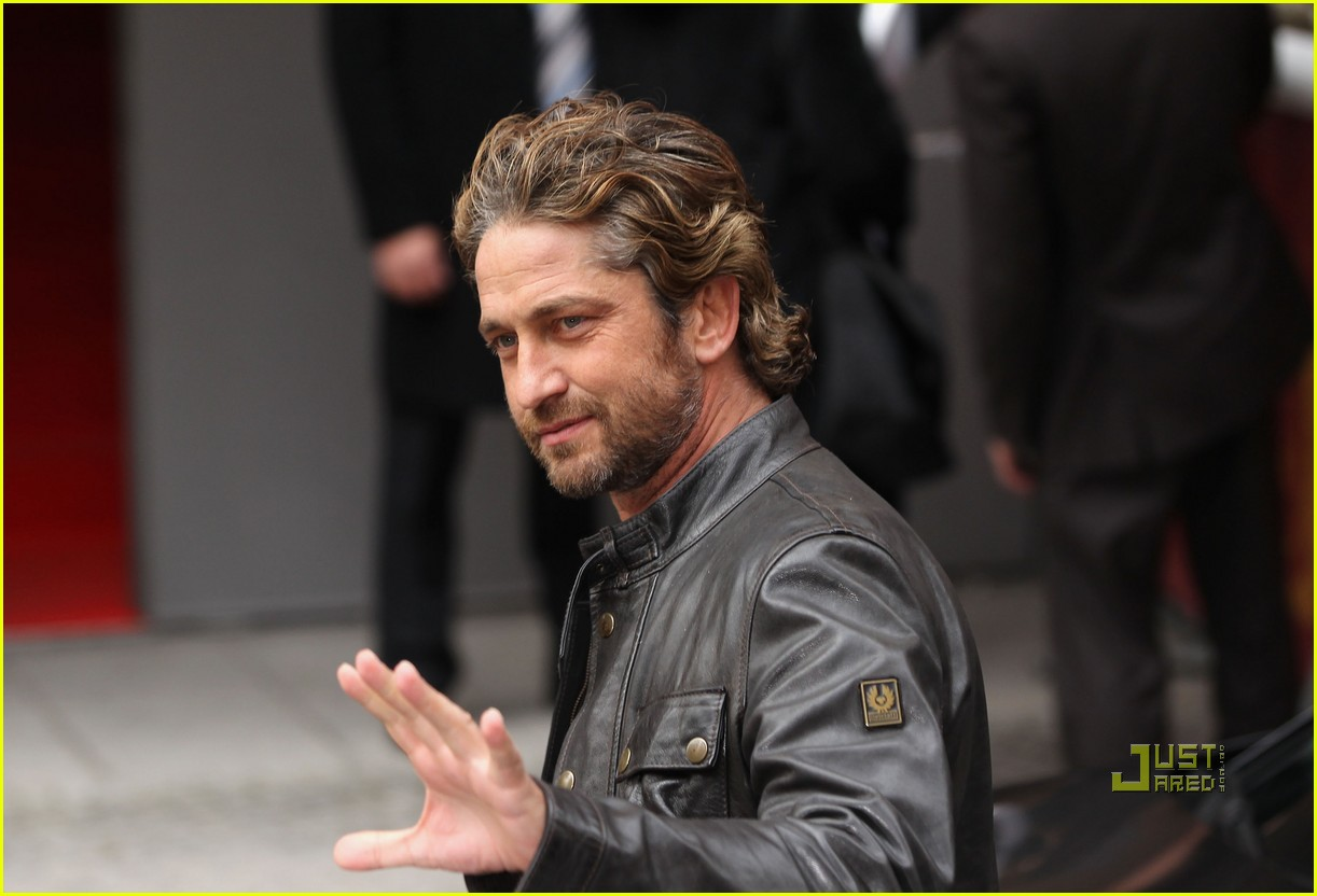 gerard butler coriolanus photo call 16