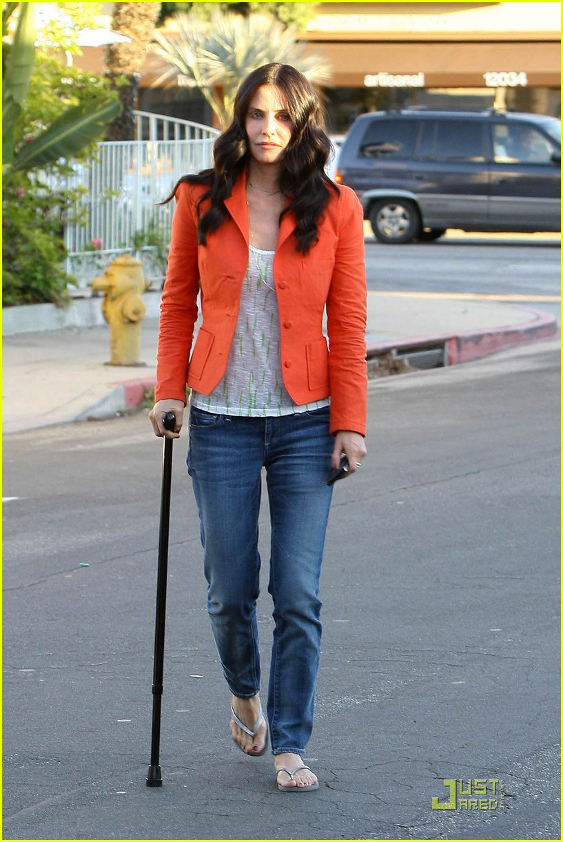 courteney cox cougar with a cane 10
