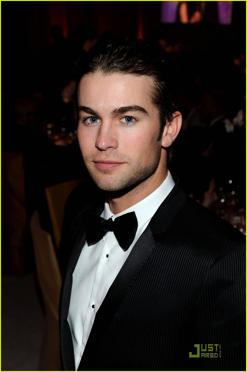 chace crawford matthew morrison oscars 2011 102523858