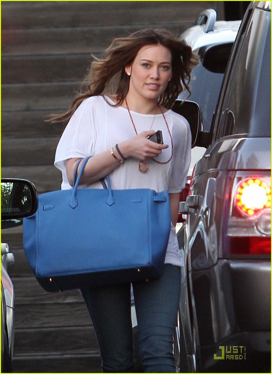 hilary duff six hour salon visit 032520422
