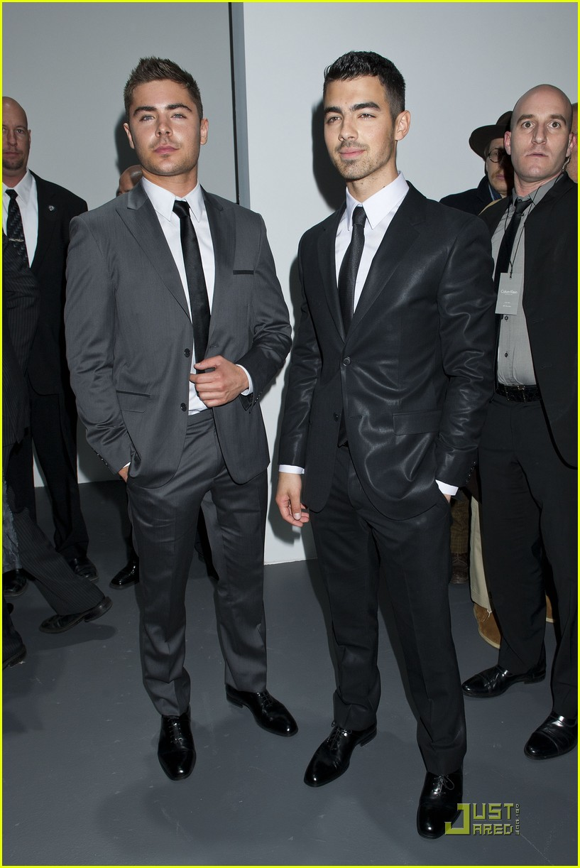 zac efron calvin klein show joe jonas 10