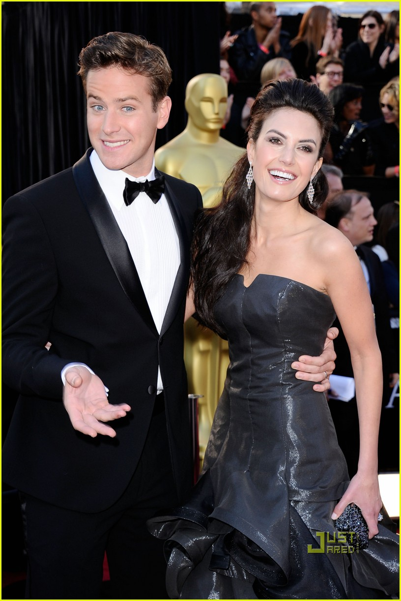 armie hammer elizabeth chambers 2011 oscars red carpet 04