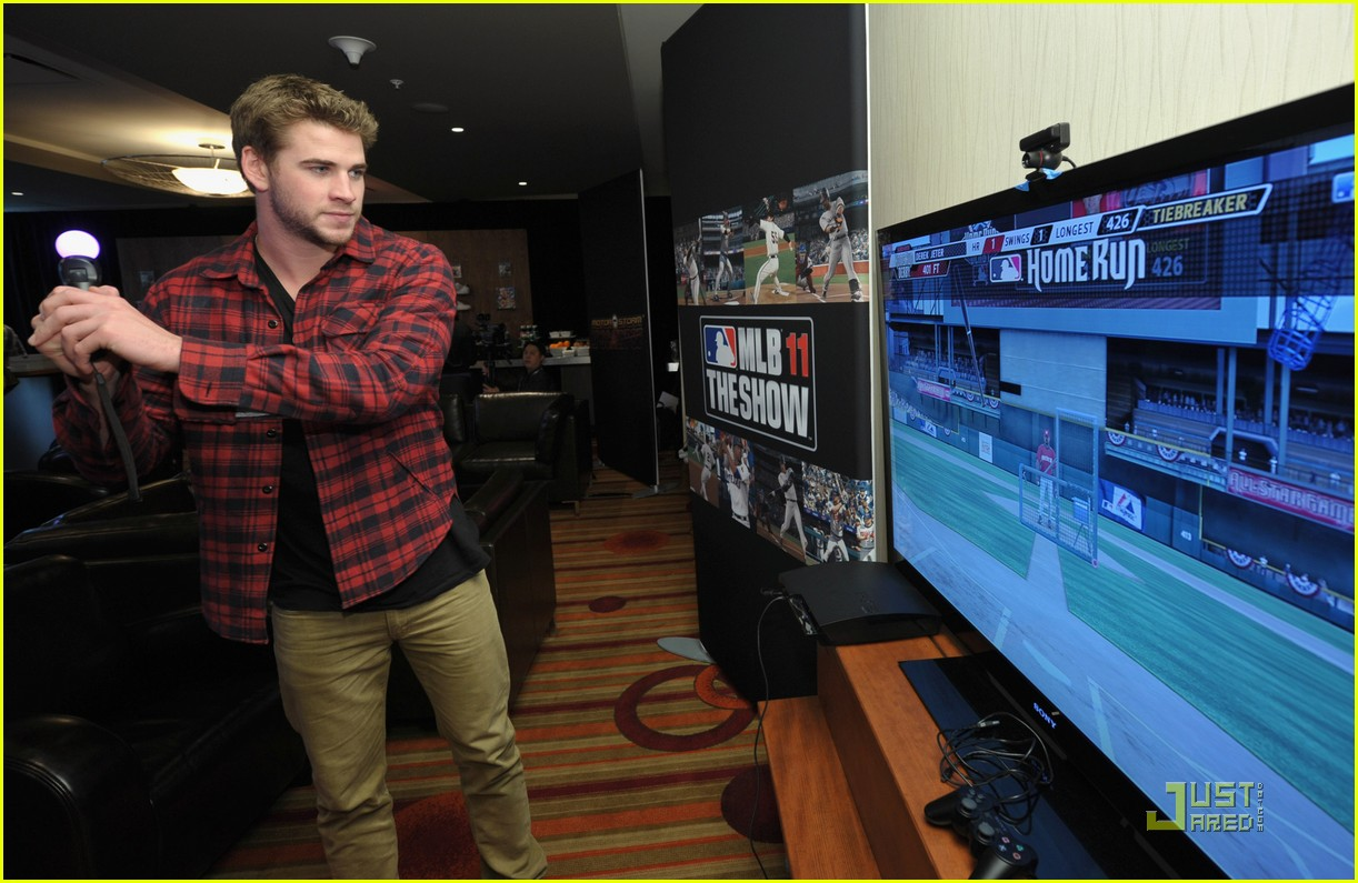 liam hemsworth playtstation 24