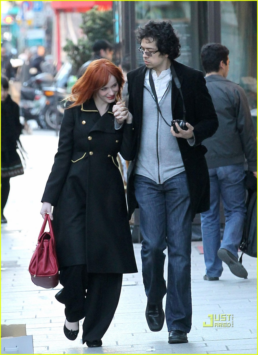 christina hendricks geoffrey arend paris shopping 05