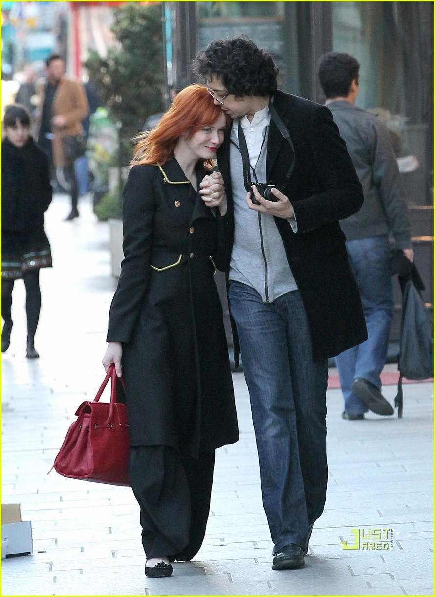 christina hendricks geoffrey arend paris shopping 07