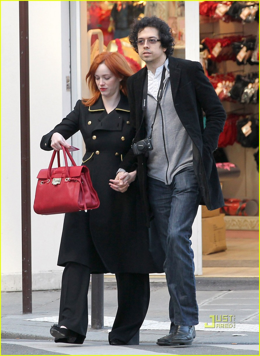 christina hendricks geoffrey arend paris shopping 09
