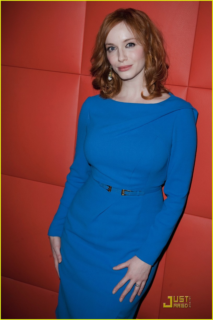 christina hendricks looks perfect in paris 05