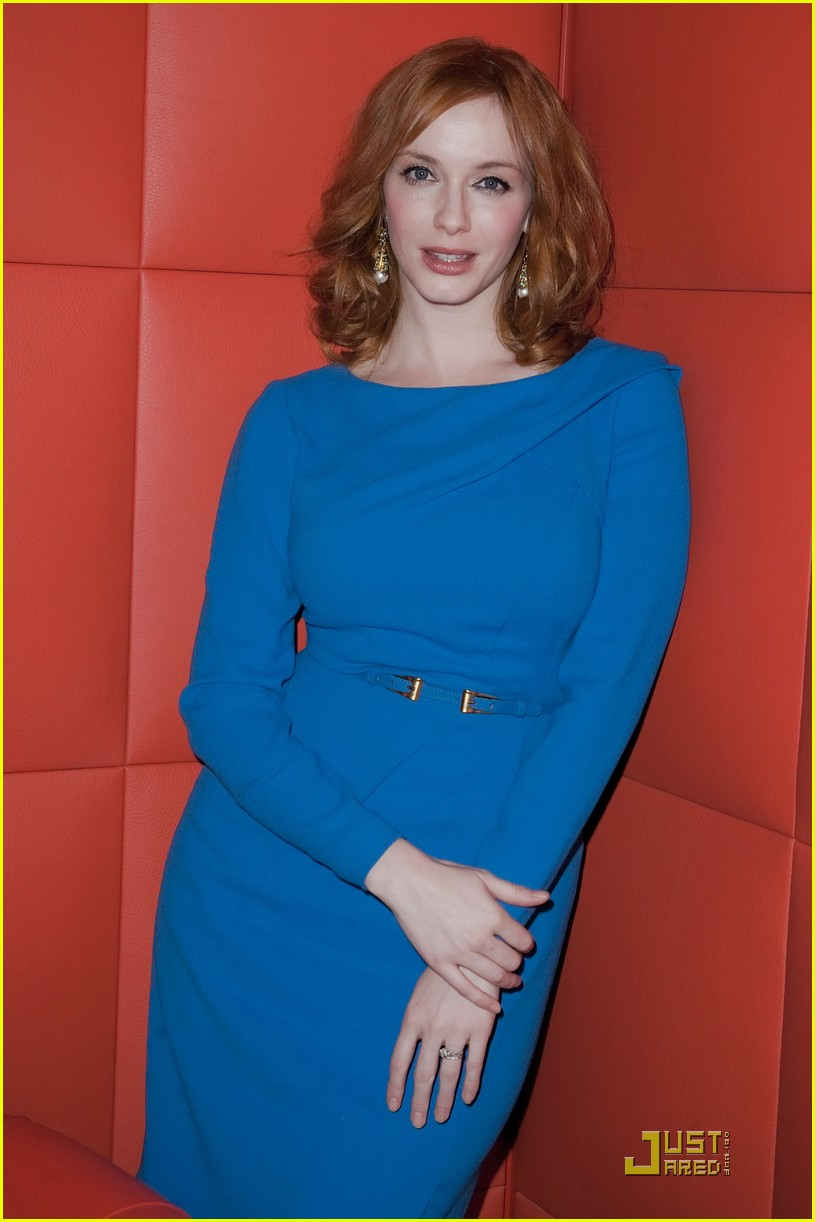 christina hendricks looks perfect in paris 07