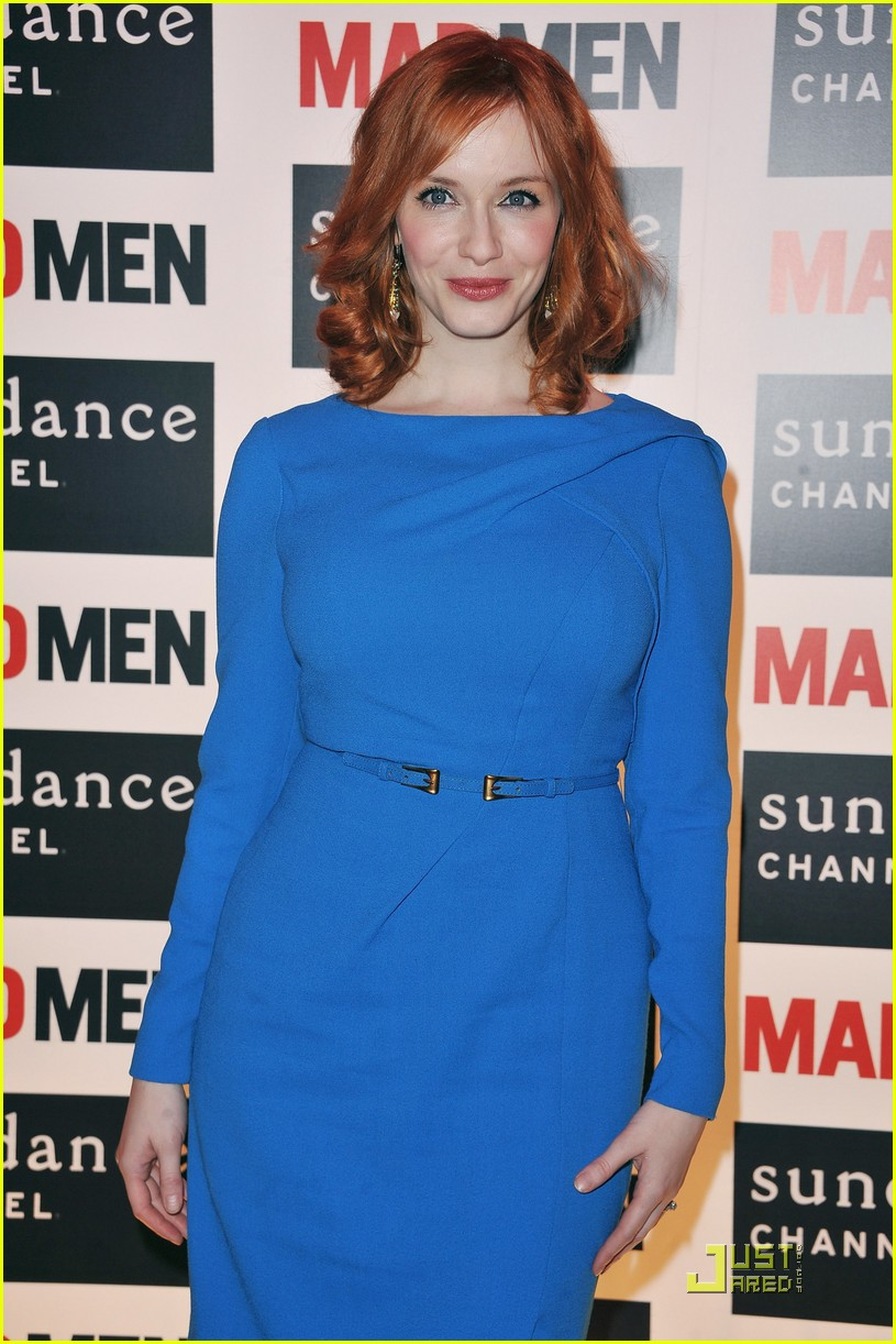 christina hendricks looks perfect in paris 12