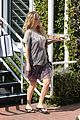pregnant kate hudson cookies fred segal 09