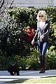 january jones walking dog 01
