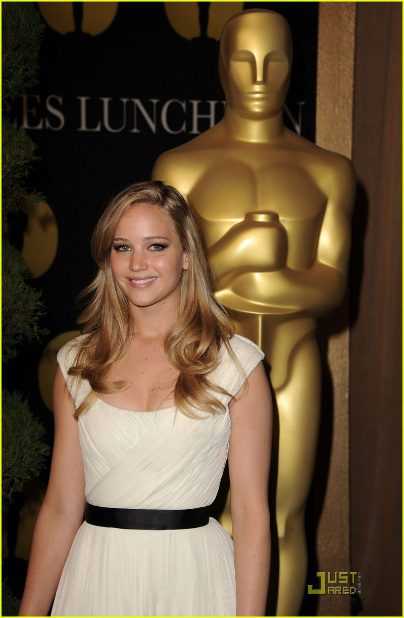 jennifer lawrence oscar luncheon 04