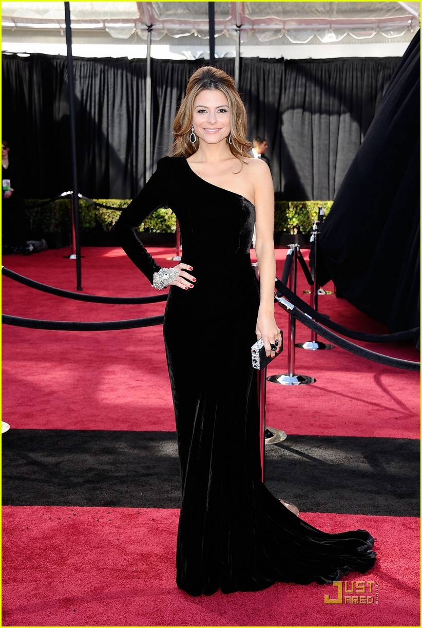 maria menounos oscars 2011 red carpet 022523546