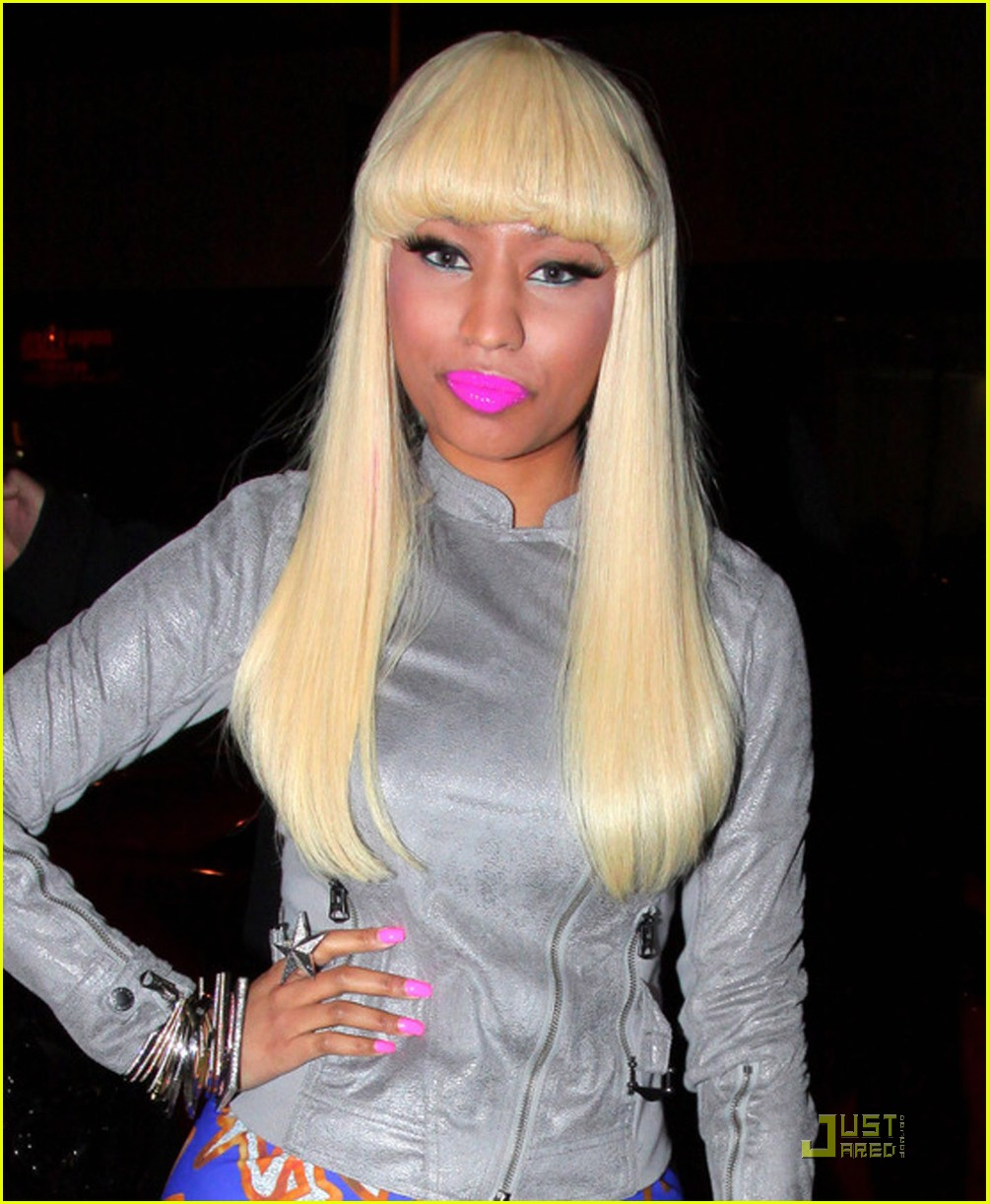 nicki minaj boa steakhouse 04