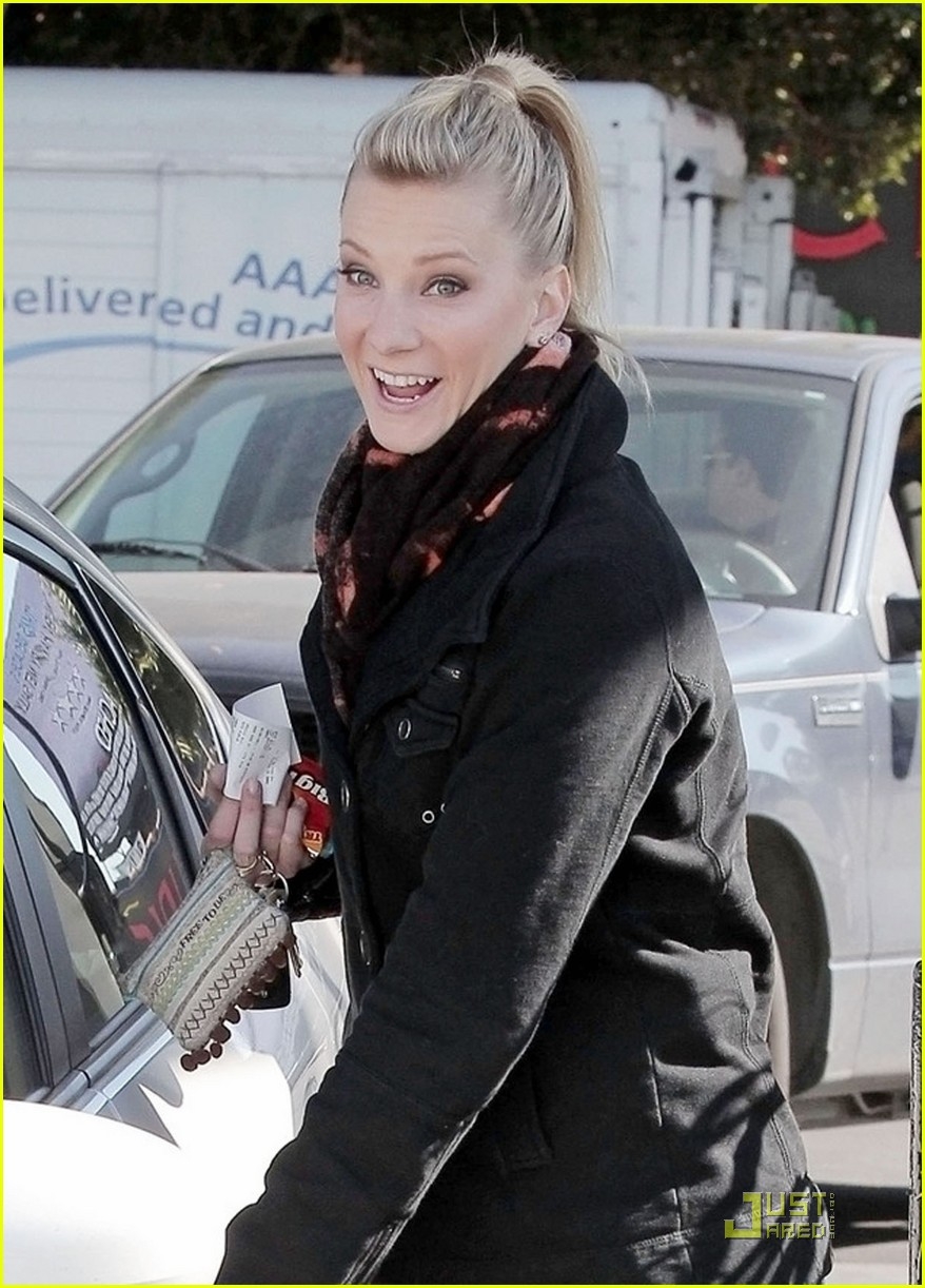 heather morris gas station 03