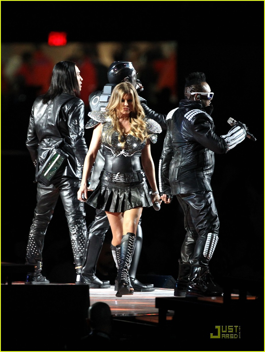 black eyed peas half time show 05