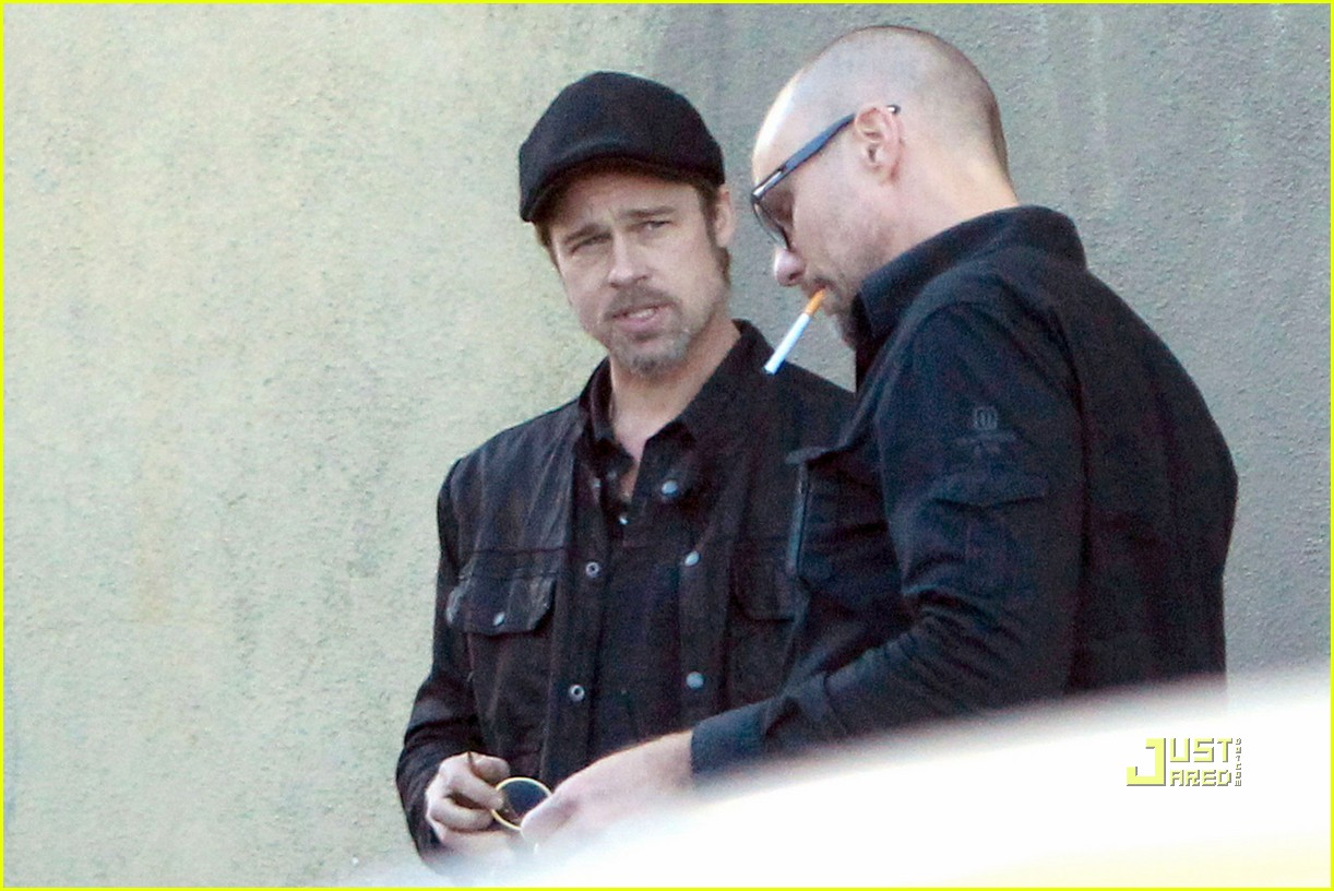 brad pitt phone call cigarette 05