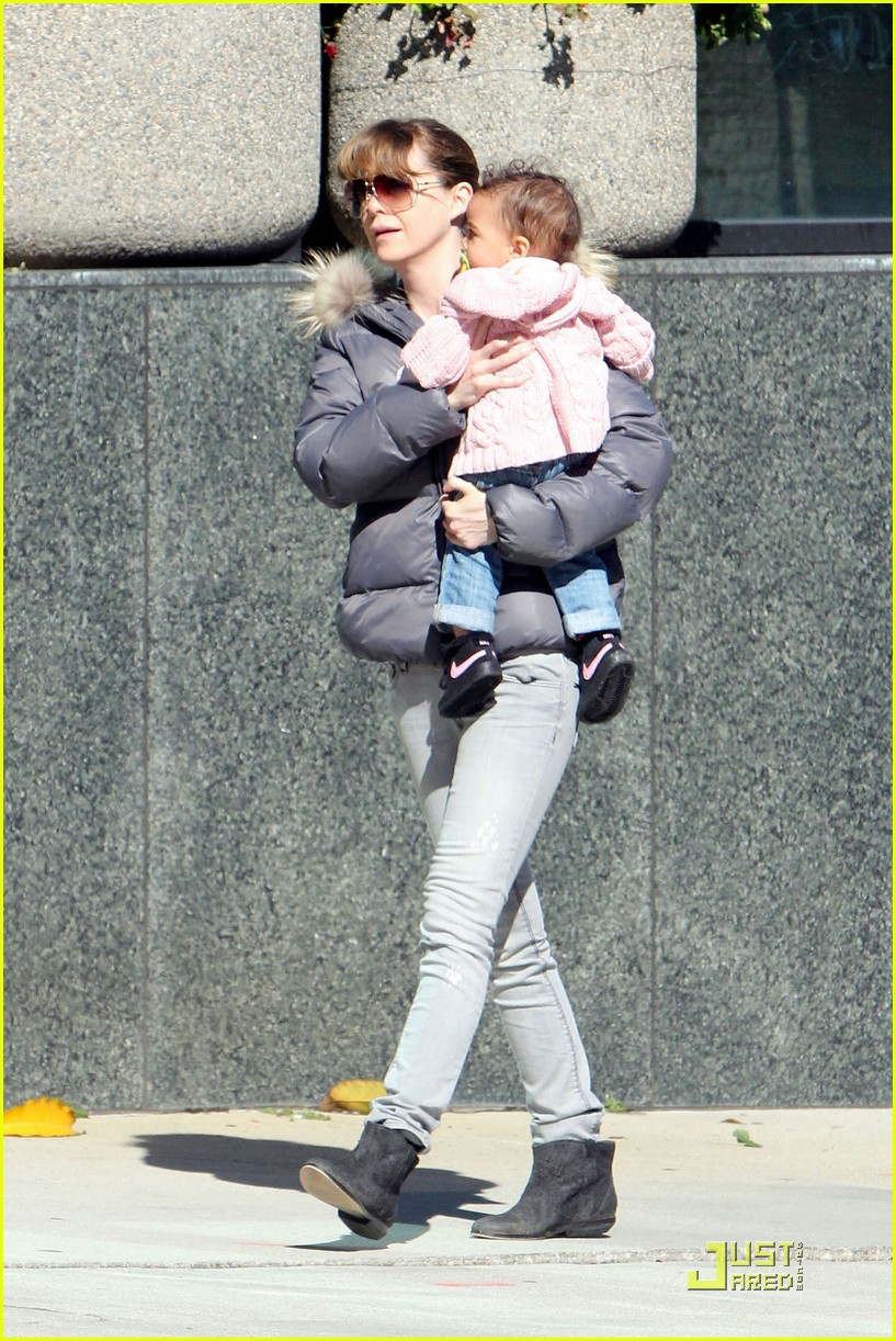ellen pompeo petting zoo with stella 11