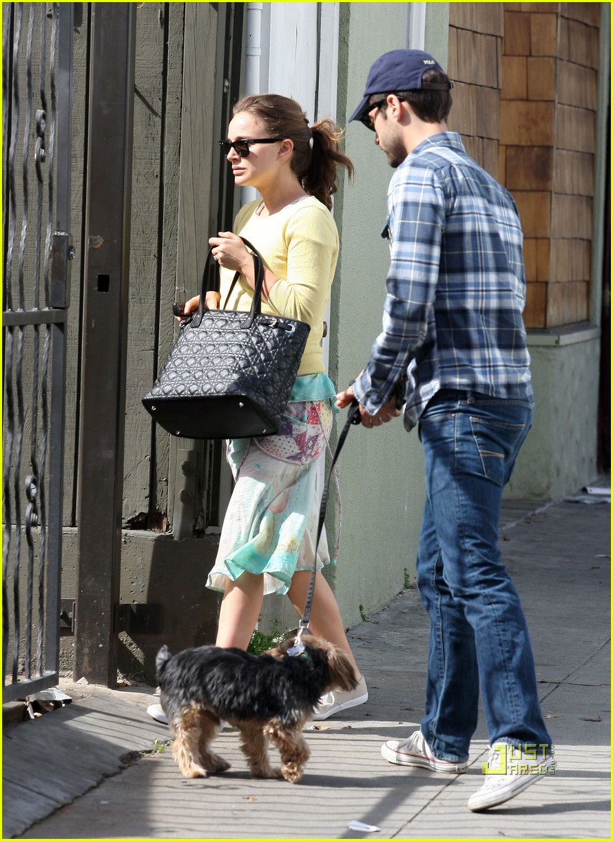 natalie portman benjamin millepied post oscar brunch 01