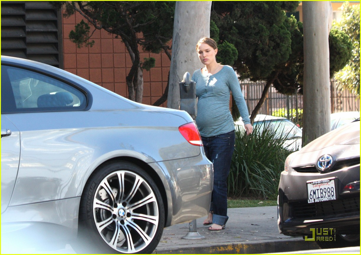 natalie portman growing baby bump 07