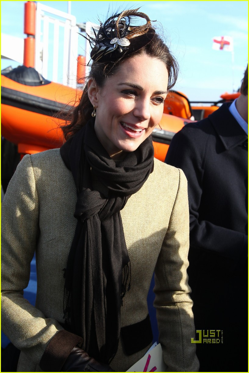 prince william kate middleton lifeboat 17