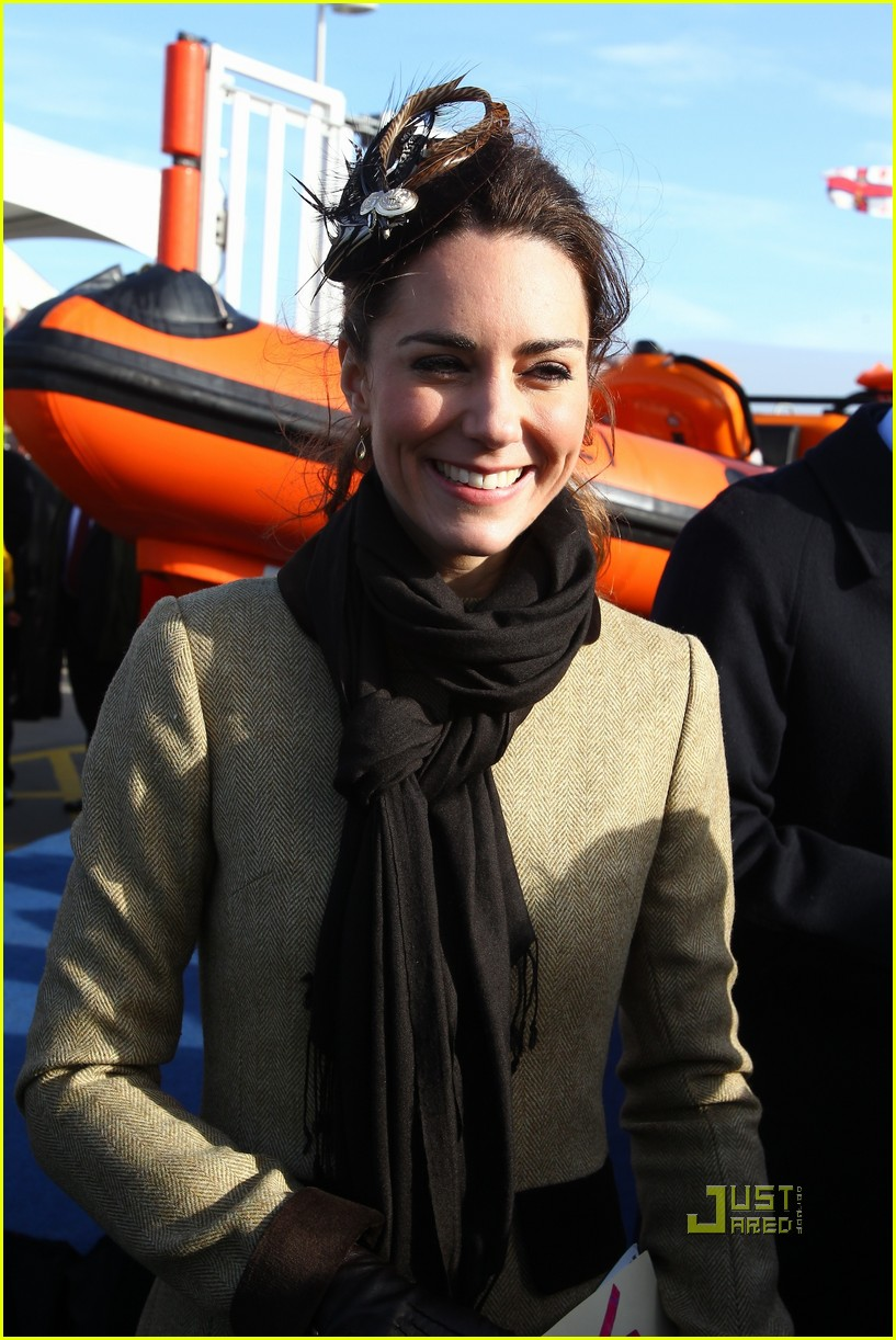 prince william kate middleton lifeboat 20